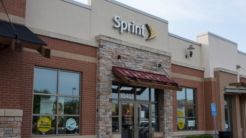 Weekly Plan Spotlight: Sprint Unlimited FREE for 1 year