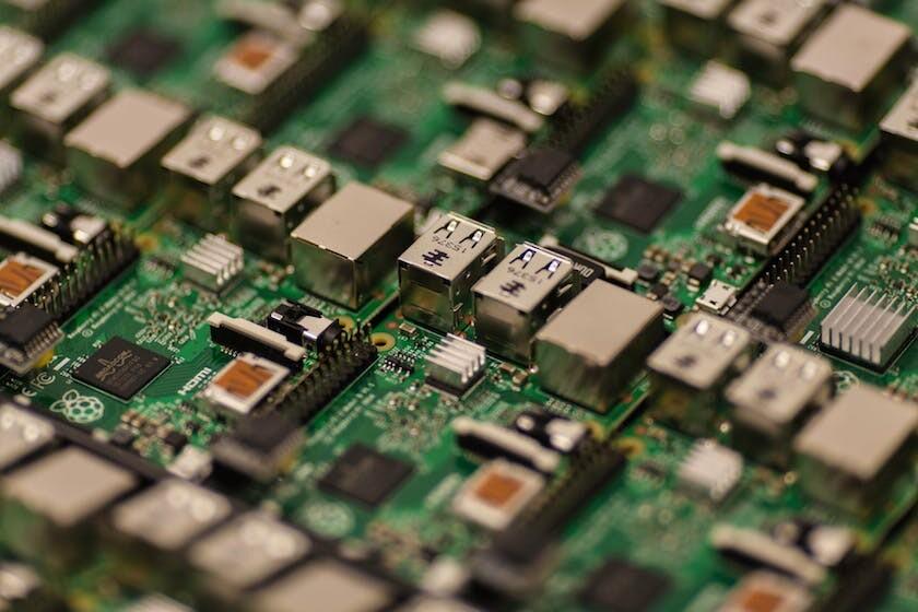 The Complete Raspberry Pi 3 Training Bundle