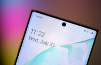 Samsung Galaxy Note 10 Plus Screen and selfie camera macro
