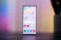 Samsung Galaxy Note 10 Plus screen head on 2