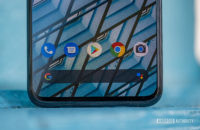 Google Pixel 4 XL bottom bezel and app dock 10