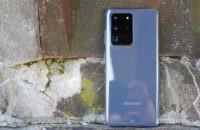 Samsung Galaxy S20 Ultra against the rocks