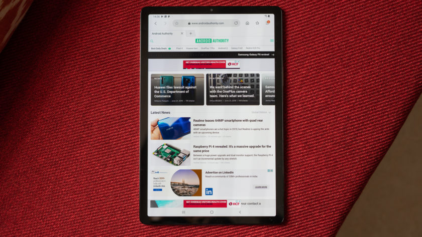 Galaxy Tab S5e showing AMOLED dipslay