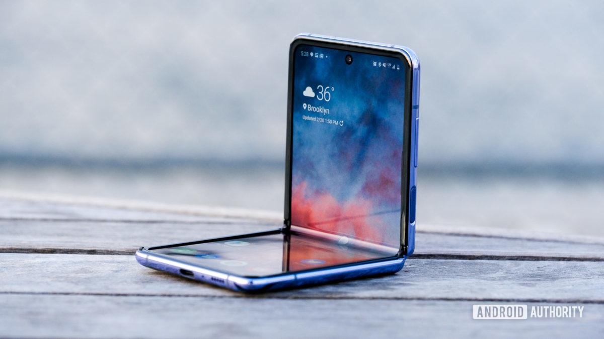 Samsung Galaxy Z Flip AT&T deals